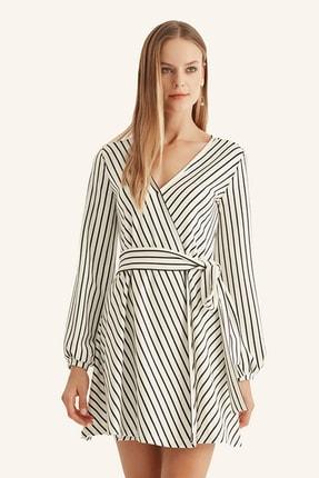 Hanna's Kadın Beyaz Çizgili Kruvaze Kemerli Elbise HN1016 0