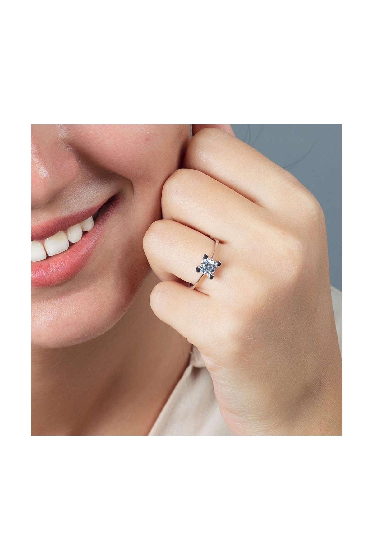Tesbihane Starlight Diamond Pırlanta Montür Kare Tasarım 925 Ayar Gümüş Bayan Tektaş Yüzük 102001785 2