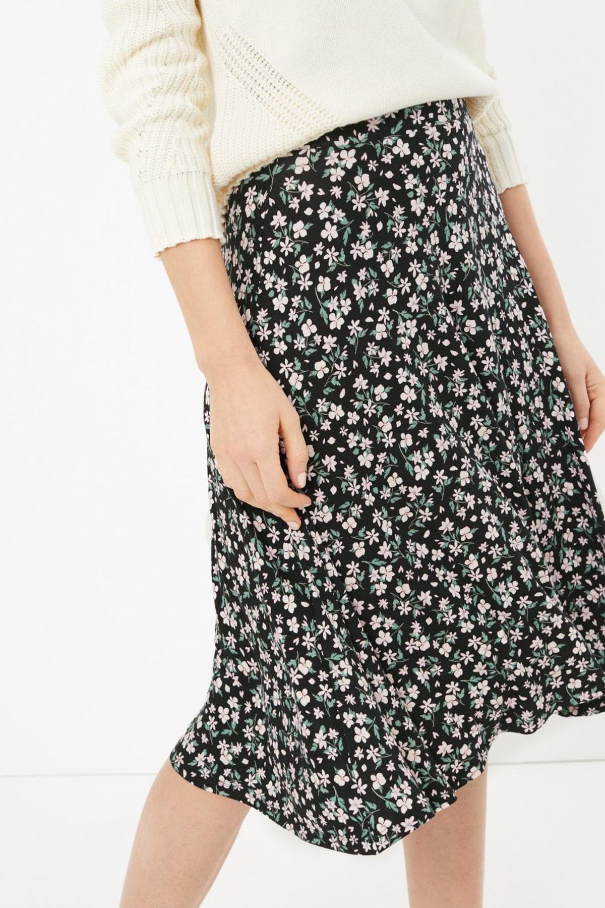 Marks & Spencer Kadın Siyah Çiçek Desenli Midi Etek T59007124