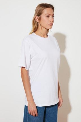 TRENDYOLMİLLA Beyaz %100 Pamuk Bisiklet Yaka Boyfriend Örme T-Shirt TWOSS20TS0134 3