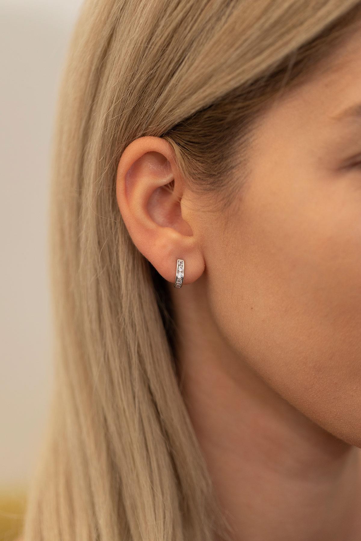 İzla Design Kadın Zirkon Taşlı Gümüş İtalyan Küpe PKT-TLYSLVR0088 1