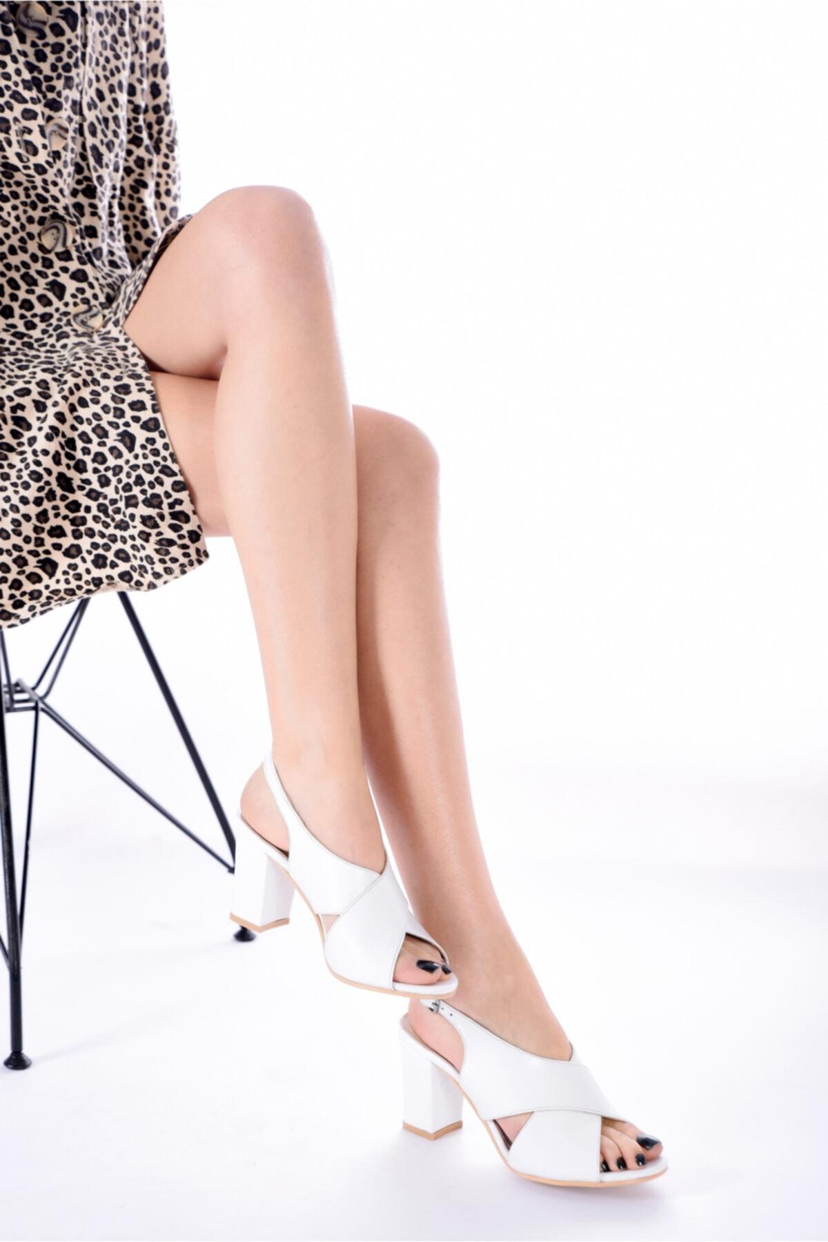 Hakiki Deri Beyaz Kadın Topuklu Deri Ayakkabı Rkl0100