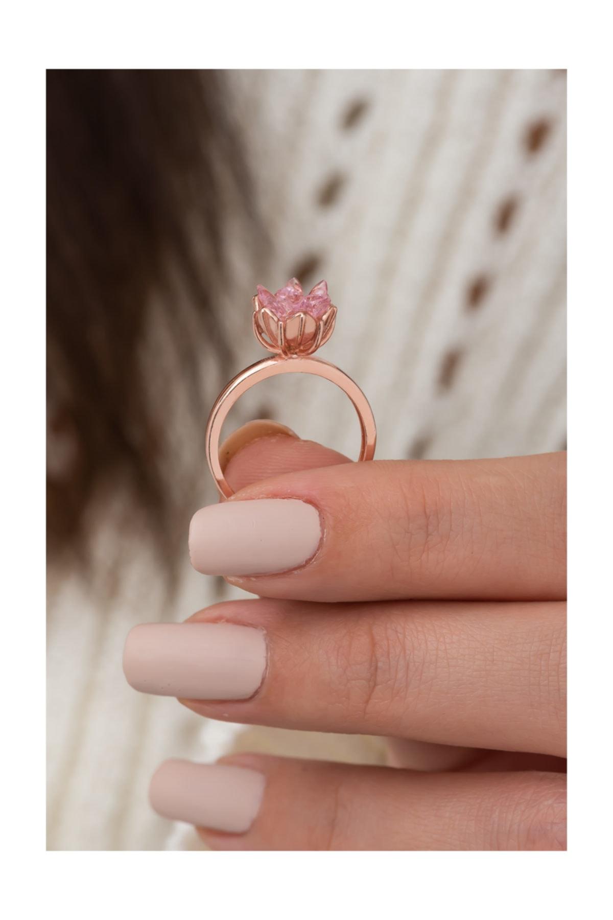 Lotus Çiçeği Pembe Taşlı Kadın Yüzüğü