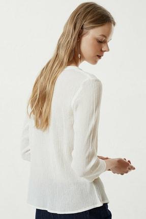 Yargıcı Kadın Kırık Beyaz Nakış Detaylı Bluz 0YKGM6109X 3