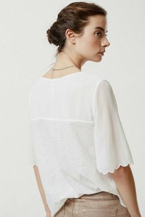 Yargıcı Kadın Beyaz Şifon Detaylı Bluz 0YKGM6162X 4