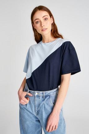 TRENDYOLMİLLA Mavi Renk Bloklu Boyfriend Kalıp Örme T-Shirt TWOSS19GS0048 2