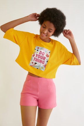 TRENDYOLMİLLA Turuncu Loose Crop Baskılı Örme T-Shirt TWOSS21TS2777 2