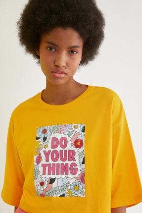 TRENDYOLMİLLA Turuncu Loose Crop Baskılı Örme T-Shirt TWOSS21TS2777 3