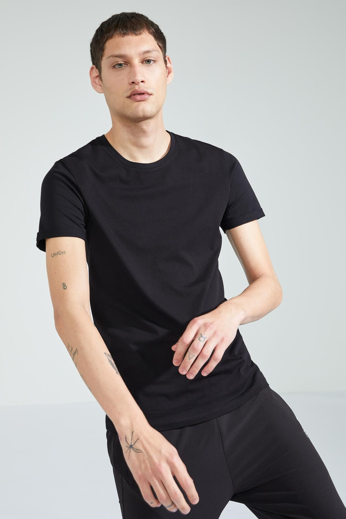Defacto Fit Erkek Slim Fit Bisiklet Yaka Basic Tshirt